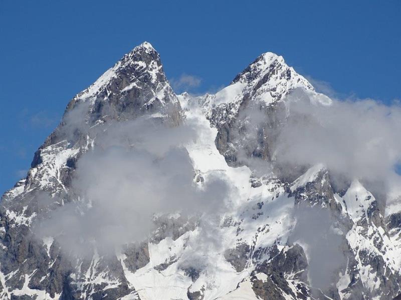 קרחון שחארה