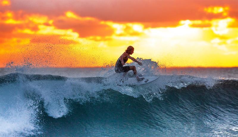 תמונה לקוחה מאתר pixabay | גלישה בדרום מערב פורטוגל