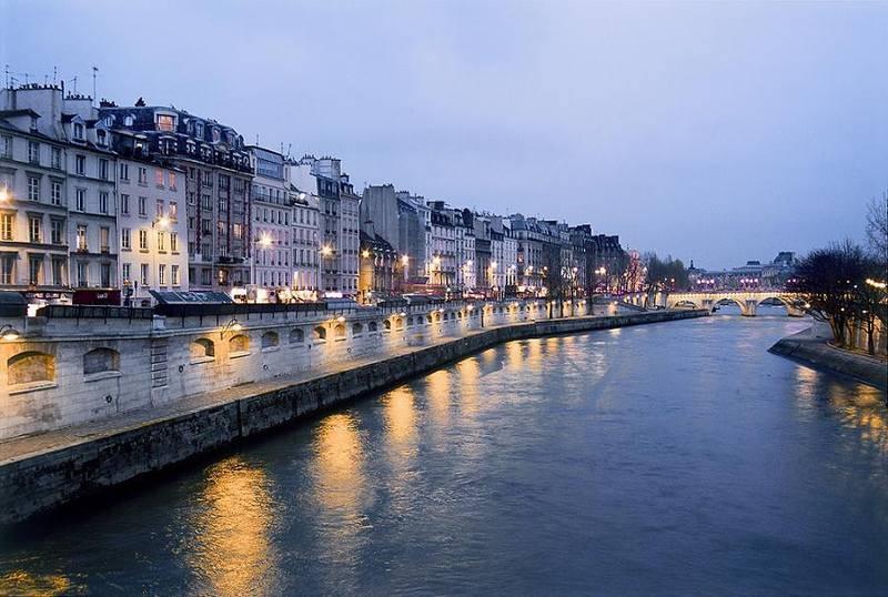 פריז בלילה. צילם: גיא נוימן