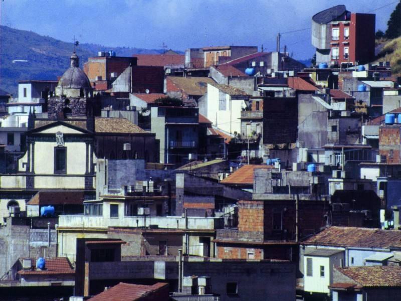פלאזה אדריאנו, כאן צולם חלק ניכר מן הסרט סינמה פארדיסו. צילום: גיא נוימן