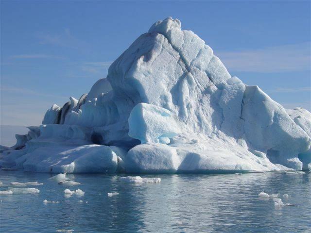 קרחונים -  נוף איסלנדי טיפוסי