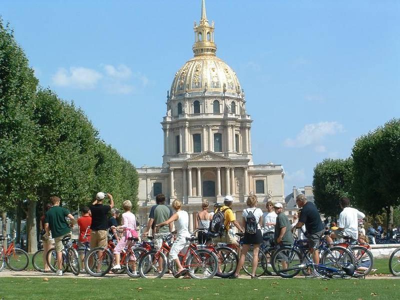 סיורים על אופניים של חברת Fat Tire Bikes Tours