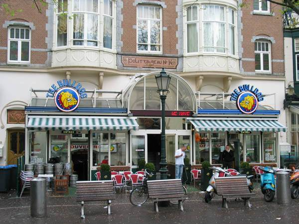<p><span style=BACKGROUND-COLOR: #f8f8fa>קופישופ הבולדוג. © צילום באדיבות <a href=http://www.amsterdam.info target=_blank>Amsterdam.info&nbsp;</a></span></p>