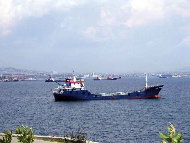 אחת הדרכים הטובות ביותר להכיר את איסטנבול. שיטעל הבוספורוס. צילמה: יונית קמחי