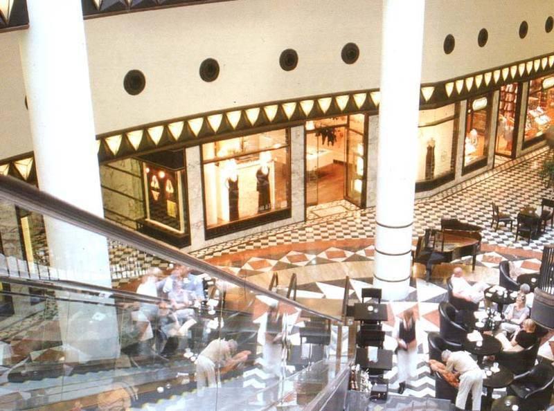 גן עדן לחובבי הקניות - מרכז קניות טיפוסי במרכז ברלין