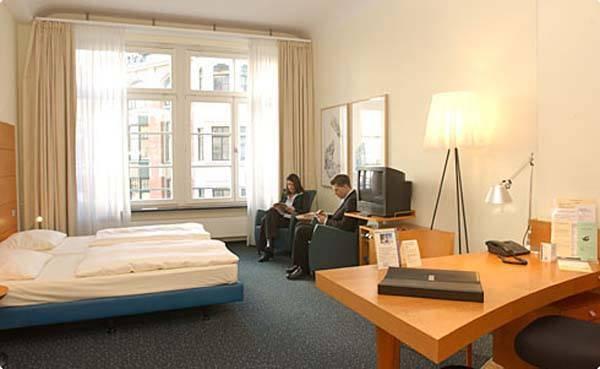 מלון מודרני במרכז ברלין. Alexander plaza