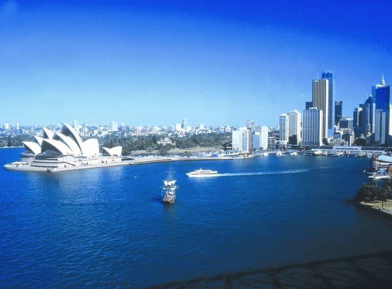 <p>מבט אל הים ובניין האופרה. צילם: זאביק רילסקי</p>