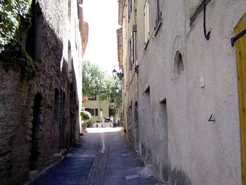 טיול על החומות, בין הביצורים והמגדלים. צילום: אורי דביר