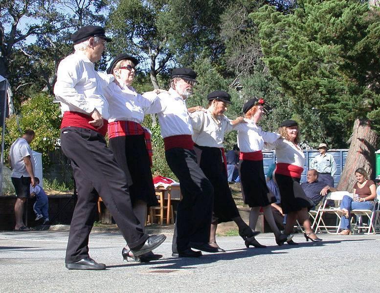 ריקוד יווני מסורתי, צילום: Creative Commons, ויקיפדיה