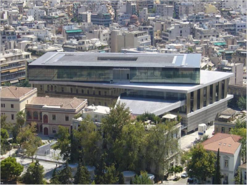 מוזיאון האקרופוליס החדש, מוזיאון מרשים ומרתק בו ניתן להתרשם ממגוון פסלים מרשימים שהועברו אליו מהאקרופוליס. צילום: דימבוקאס, ויקיפדיה