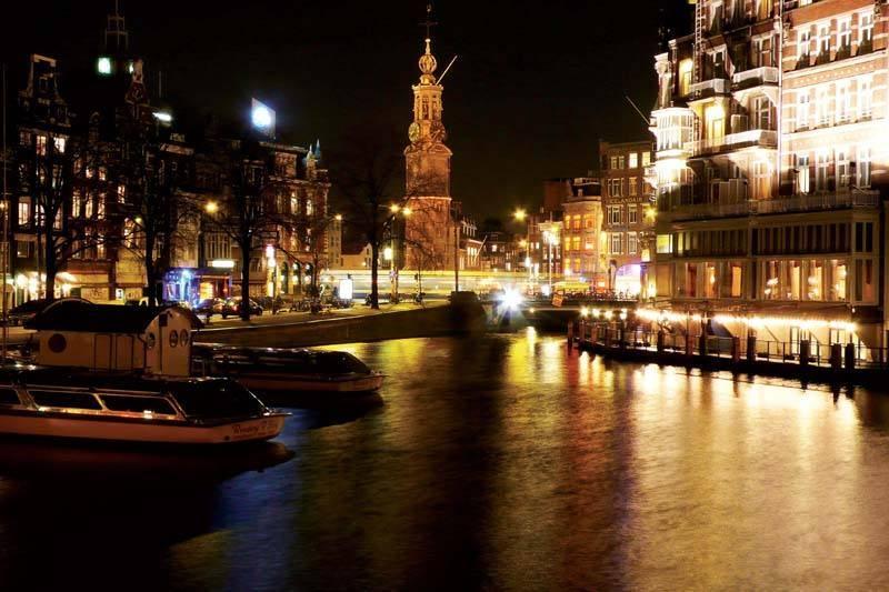 אמסטרדם - יפה ביום ותוססת בלילה.