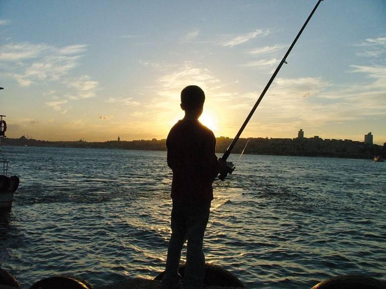 דיג בבוספורוס. צילמה: יונית קמחי