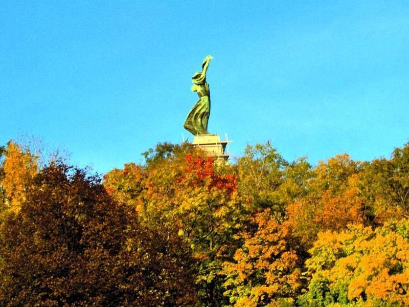 פסלו של גלרט הקדוש