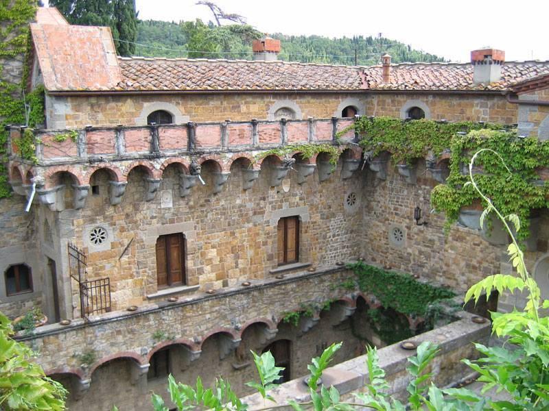 חצר במצודה ליד פיזולה (Fiezole). צילם: יונתן זייד