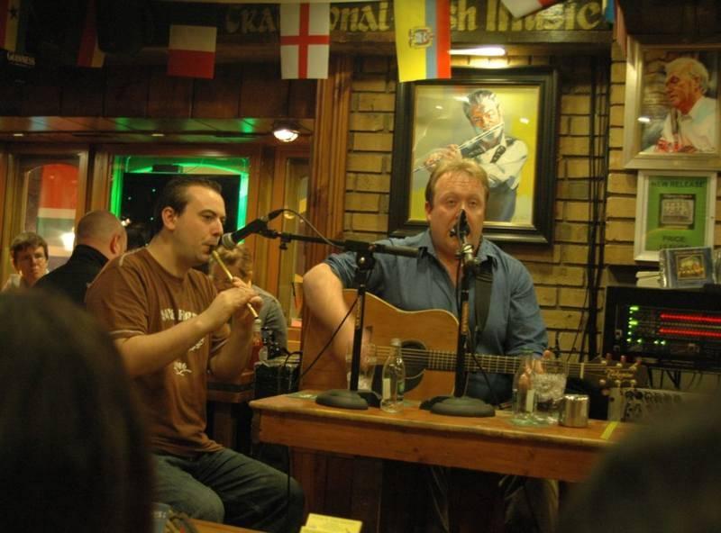<p>בפאבים הפזורים ברחבי העיר תוכלו ליהנות ממוסיקה אירית ובירה גינס. צילם: גיא נוימן</p>