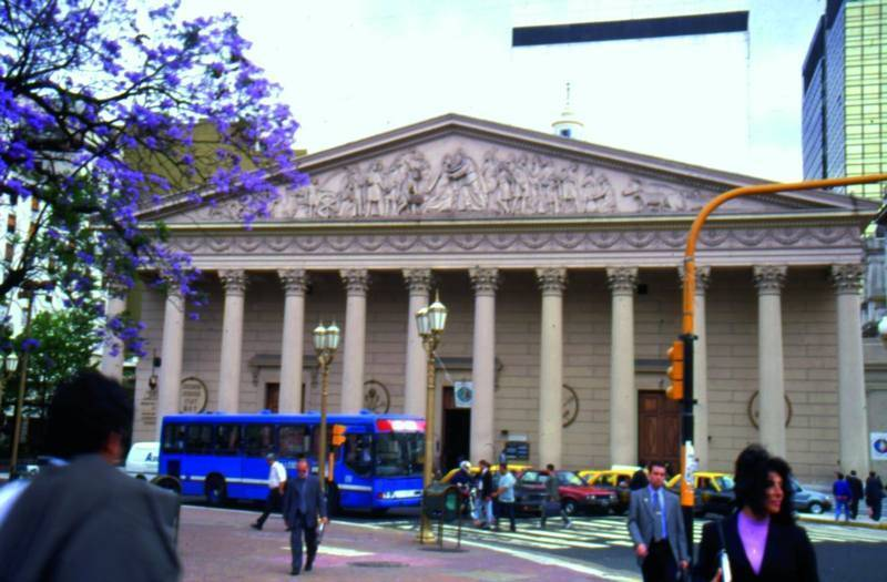 הקתדרלה בה קבור סן-מרטין, המשחרר של ארגנטינה