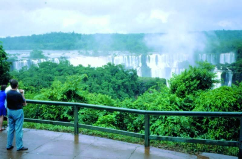 <p><span style=BACKGROUND-COLOR: #f8f8fa>פארק דו לאומי - מבט מברזיל לכיוון ארגנטינה</span></p>