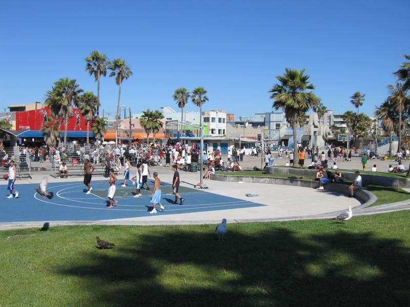 <p><span style=BACKGROUND-COLOR: #f8f8fa>וניס-ביץ. צילום: לשכת התיירות קליפורניה</span></p>
