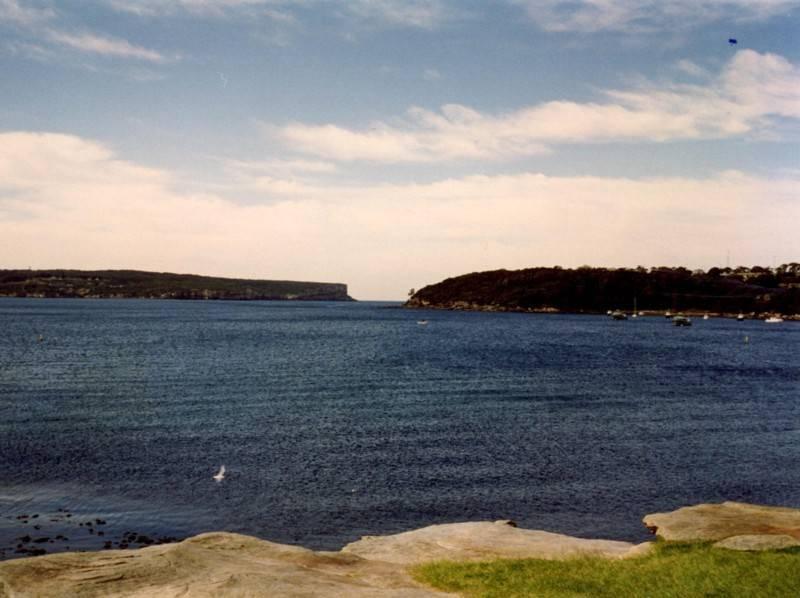 <p><span style=BACKGROUND-COLOR: #f8f8fa>ים כחול בחוף , צילמה: סיגל לוי</span></p>