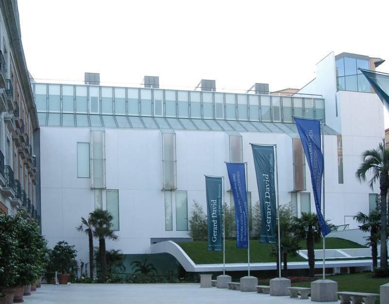 מבנה המוזיאון הוא יציאה ארכיטקטונית מרהיבה. Museo Thyssen Bornemisza