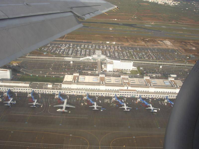נמל התעופה של אתונה Eleftherios Venizelos, ממקום עשרים ושבעה קילומטרים מהעיר. צילום: קריסטוס וויטרטוס, ויקיפדיה