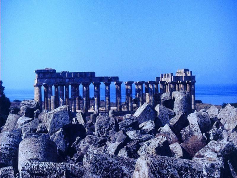 אתרים ארכיאולוגיים הם חלק מהחוויה למטייל בסיצליה. צילום: גיא נוימן