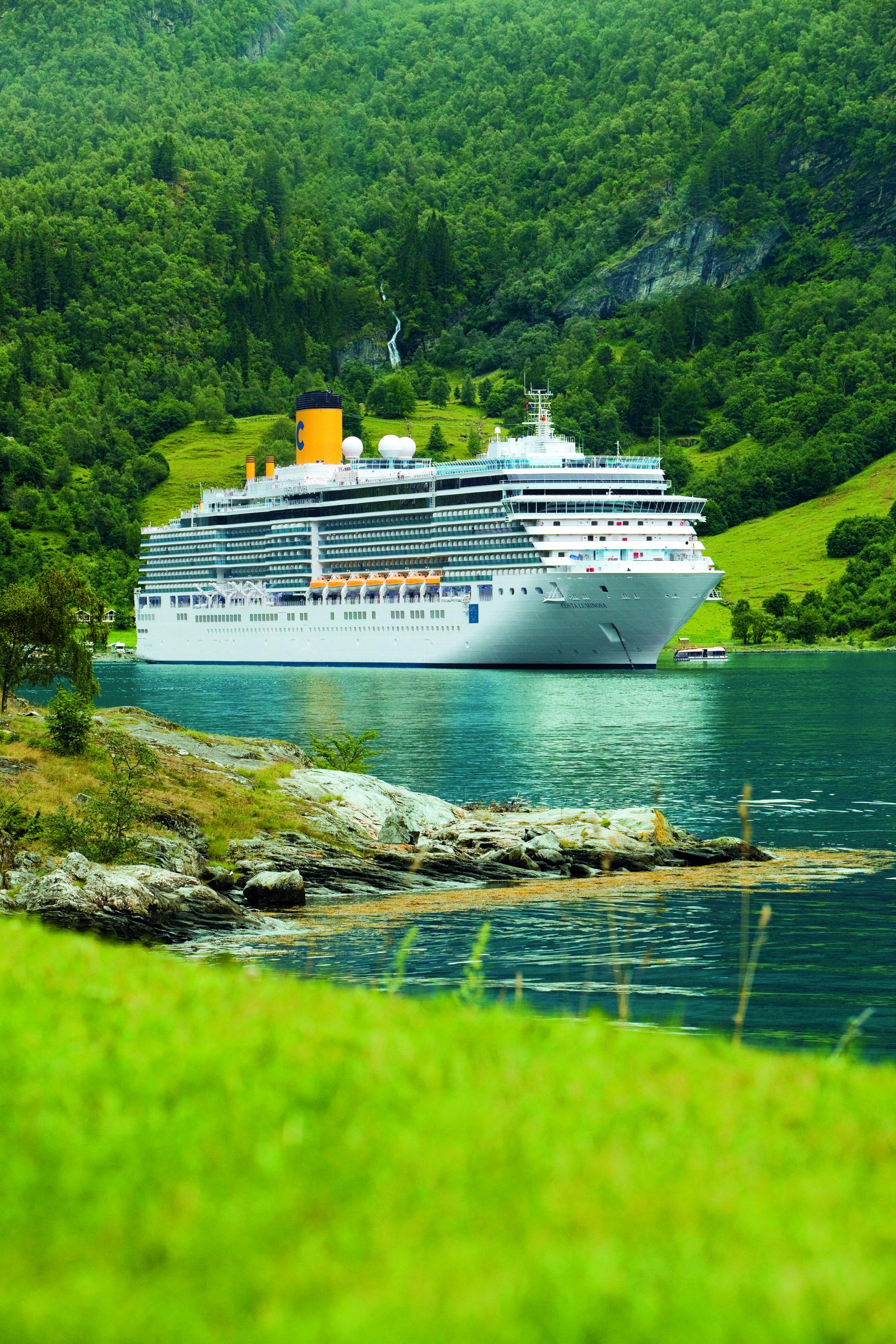 טיול מאורגן כולל שייט בים האדריאטי | 03.04 | פסח | 12 יום באוניית הפאר COSTA LUMINOSA