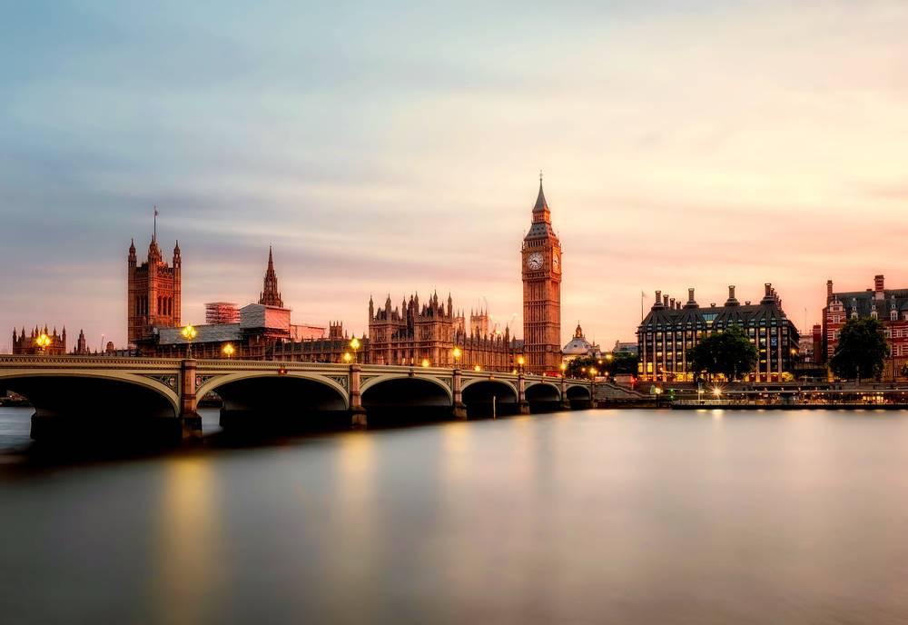 טיול משפחות ללונדון ופריז | 13.7, 18.8 | כולל כרטיס למחזמר