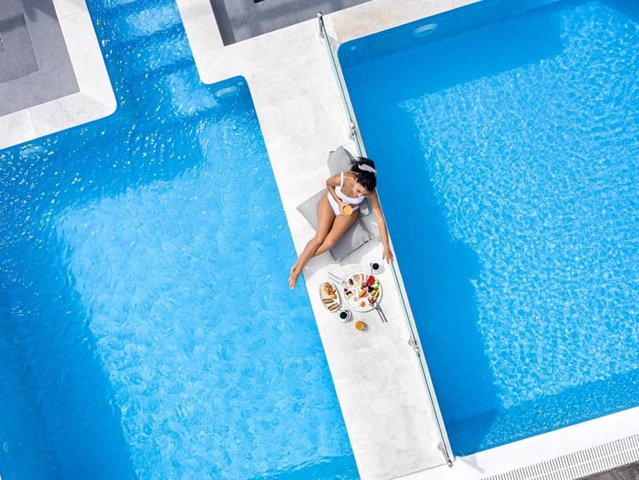 נופש חלומי בסנטוריני  *Splendour Resort Santorini 5 |  לילות על בסיס לינה וארוחת בוקר  | 4 לילות