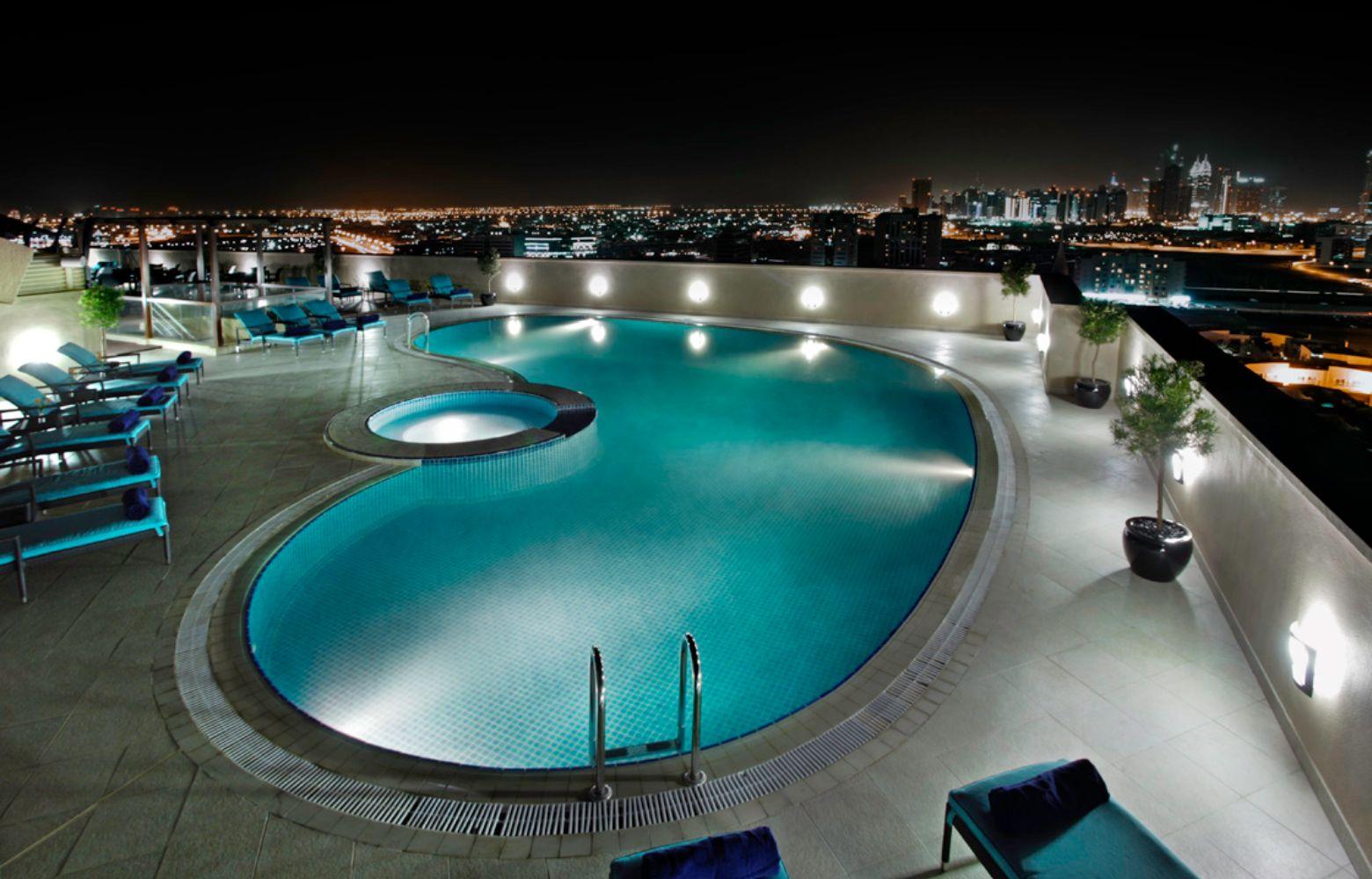 נופש חלומי בדובאי 5* | 4 לילות 5 ימים Elite Byblos על בסיס לינה וארוחת בוקר וכניסה לפארק המים Aquaventure