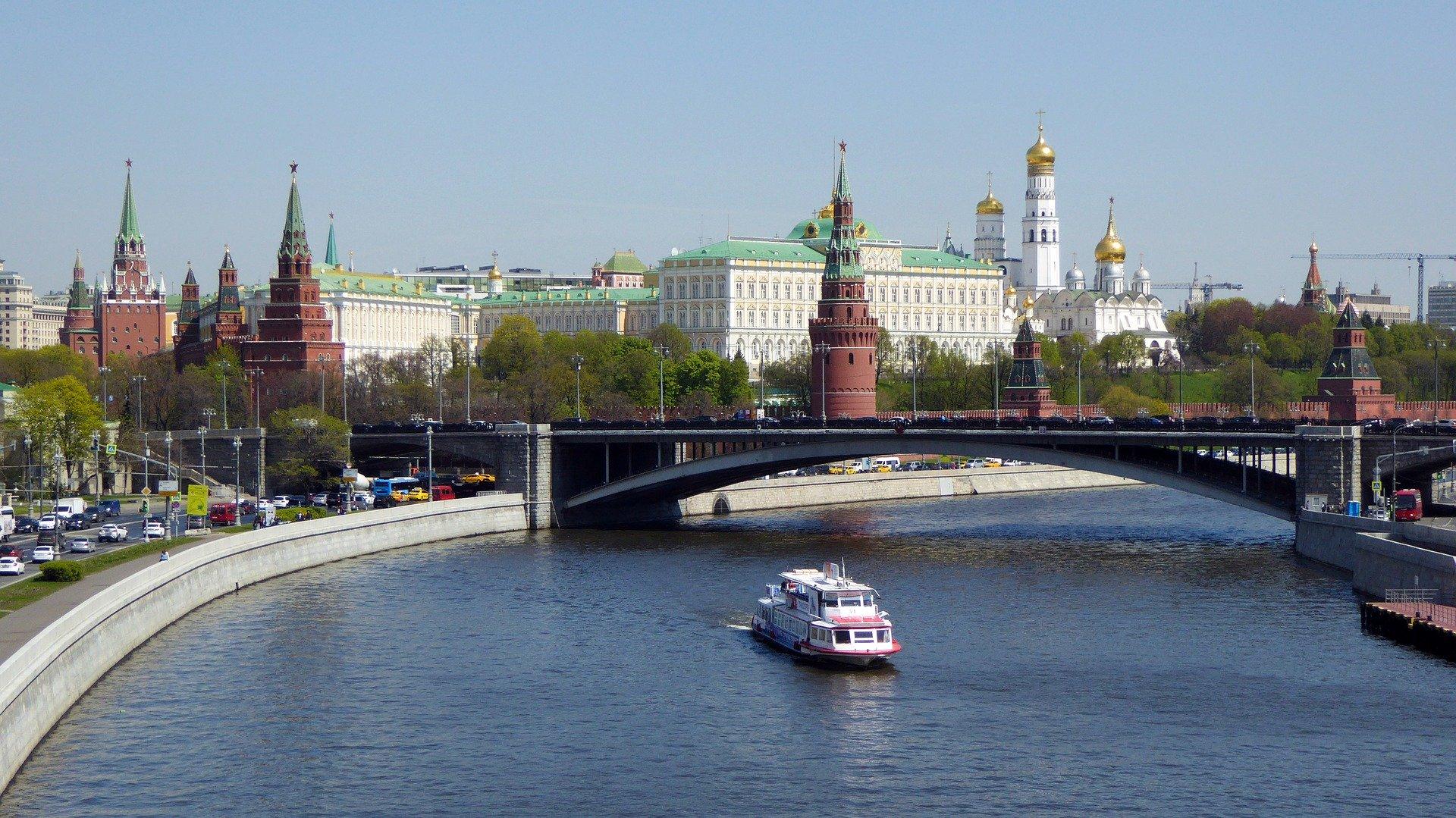 שייט נהרות: וולגה - סנט פטרסבורג - מוסקבה  | 3.9.20 | 2090 דולר | 11 ימים, 10 לילות | MS CRUCELAKE
