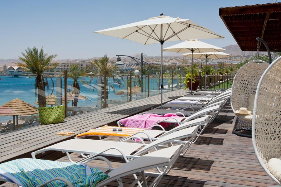 leonardo-plaza-eilat-pool-area