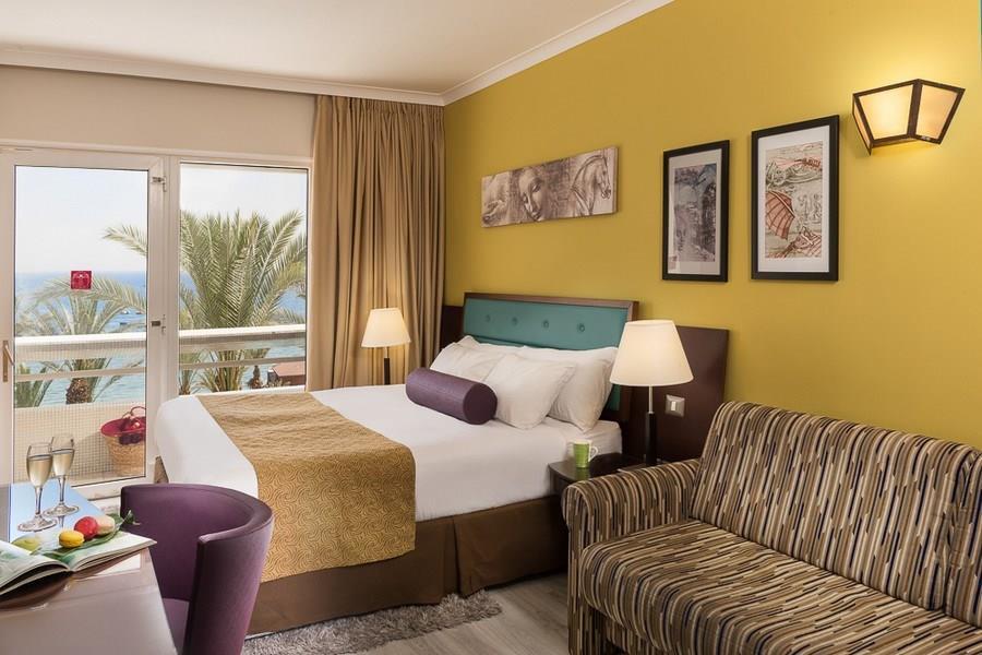 leonardo-plaza-eilat-premium-sea-view-balcony-room-1(1)