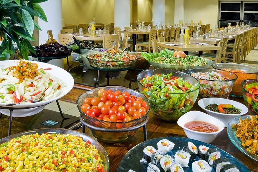 leonardo-tiberias-dining-room2
