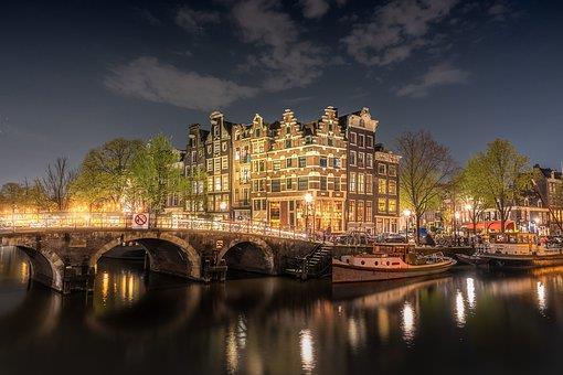 amsterdam-4230946__340
