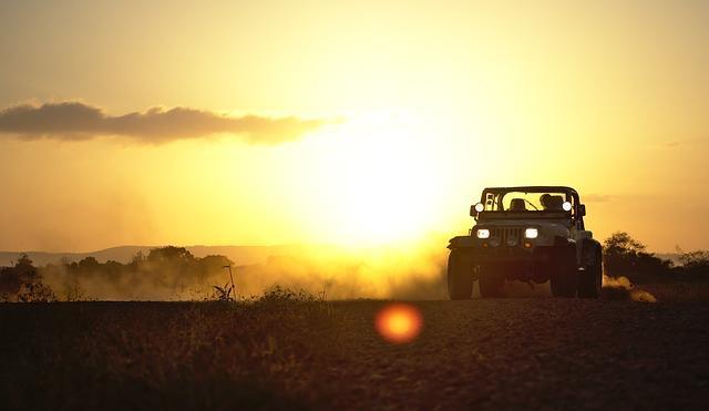 jeep-3266351_640