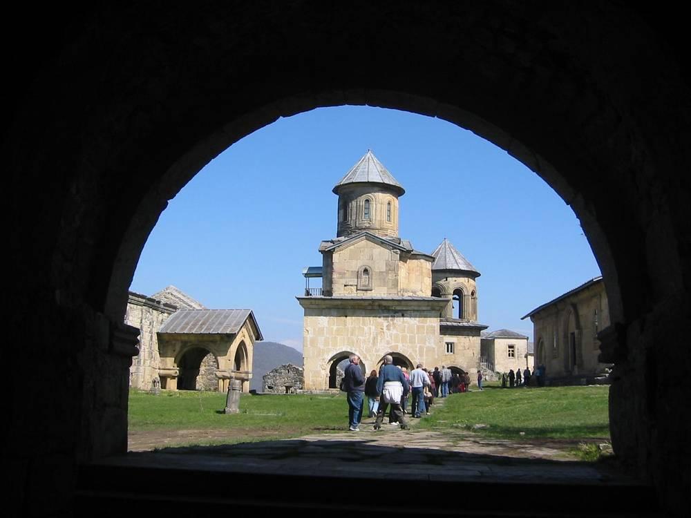 KUTAISI - כנסיה במתחם מנזר גאלטי