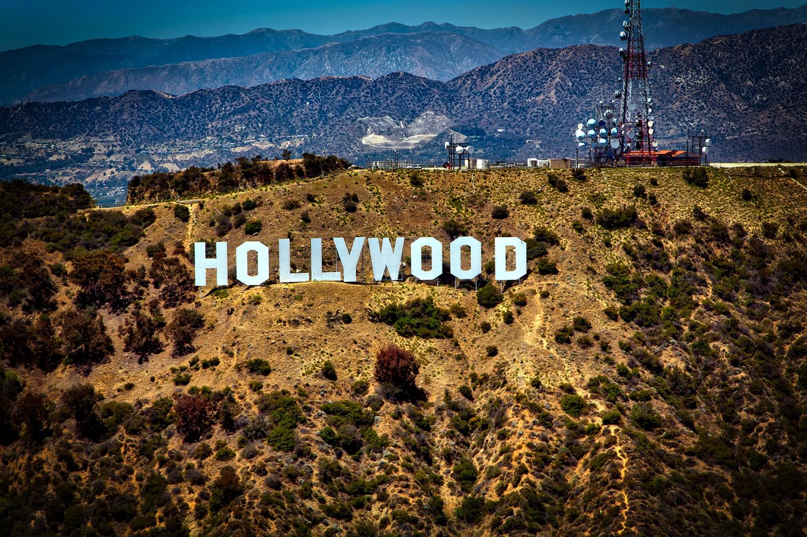ברוכים הבאים להוליווד, לוס אנג'לס. בטיושל של דיסקוברי טיול עולמי נבקר גם באולפני אוניברסל